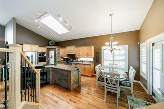 Photo 11: 614 HUNTERS Close in Edmonton: Zone 14 House for sale : MLS®# E4178376