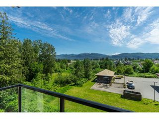 """Photo 19: 205 2242 WHATCOM Road in Abbotsford: Abbotsford East Condo for sale in """"WATERLEAF"""" : MLS®# R2455089"""