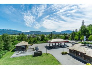 """Photo 20: 205 2242 WHATCOM Road in Abbotsford: Abbotsford East Condo for sale in """"WATERLEAF"""" : MLS®# R2455089"""