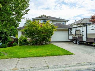 Photo 4: 8316 CASSELMAN Crescent in Mission: Mission BC House for sale : MLS®# R2473353