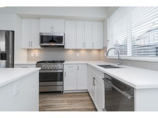 "Photo 9: 25 8370 202B Street in Langley: Willoughby Heights Townhouse for sale in ""Kensington Lofts"" : MLS®# R2517142"