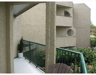 Photo 9: 205 1050 HOWIE Ave in Coquitlam: Central Coquitlam Condo for sale : MLS®# V645205