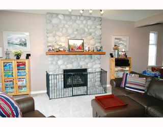 Photo 3: 23280 118TH Avenue in Maple_Ridge: Cottonwood MR House for sale (Maple Ridge)  : MLS®# V645648