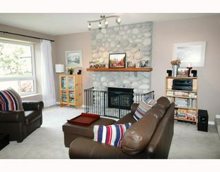 Photo 2: 23280 118TH Avenue in Maple_Ridge: Cottonwood MR House for sale (Maple Ridge)  : MLS®# V645648