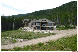 Main Photo: 4841 - 56th Street NW in Salmon Arm: Gleneden Residential Detached for sale : MLS®# 10031268