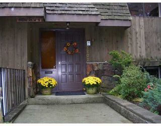 Photo 10: 2202 BOWSER Avenue in North_Vancouver: Pemberton Heights House for sale (North Vancouver)  : MLS®# V673827