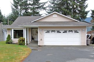Main Photo: 181 JOHNSON PLACE: House for sale : MLS®# 268521