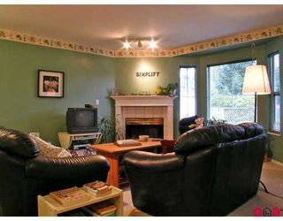 "Photo 3: 2006 WINFIELD Drive in Abbotsford: Abbotsford East Townhouse for sale in ""ASCOTT HILLS"" : MLS®# F2702571"