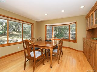 Photo 11: 1030 Malloch Road in VICTORIA: Me Rocky Point Single Family Detached for sale (Metchosin)  : MLS®# 415544