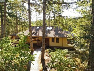 Photo 3: 1030 Malloch Road in VICTORIA: Me Rocky Point Single Family Detached for sale (Metchosin)  : MLS®# 415544