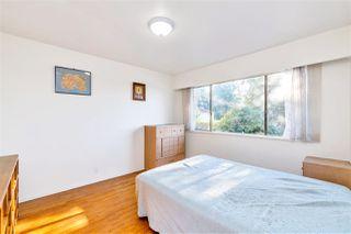 "Photo 8: 4011 GRANT Street in Burnaby: Willingdon Heights House for sale in ""Burnaby Heights"" (Burnaby North)  : MLS®# R2422637"