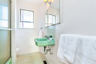 "Photo 11: 4011 GRANT Street in Burnaby: Willingdon Heights House for sale in ""Burnaby Heights"" (Burnaby North)  : MLS®# R2422637"