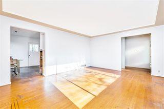 "Photo 4: 4011 GRANT Street in Burnaby: Willingdon Heights House for sale in ""Burnaby Heights"" (Burnaby North)  : MLS®# R2422637"