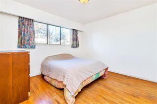 "Photo 10: 4011 GRANT Street in Burnaby: Willingdon Heights House for sale in ""Burnaby Heights"" (Burnaby North)  : MLS®# R2422637"