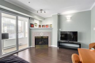 """Photo 4: 210 1503 W 66TH Avenue in Vancouver: S.W. Marine Condo for sale in """"GRANVILLE MANSION"""" (Vancouver West)  : MLS®# R2427746"""