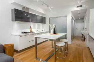 """Photo 7: 138 E 1ST Avenue in Vancouver: Mount Pleasant VE Townhouse for sale in """"Meccanica"""" (Vancouver East)  : MLS®# R2428727"""