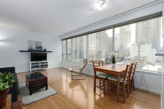 """Photo 2: 407 1177 HORNBY Street in Vancouver: Downtown VW Condo for sale in """"London Place"""" (Vancouver West)  : MLS®# R2437387"""