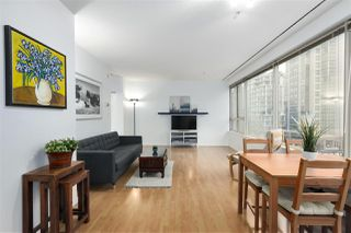 """Photo 4: 407 1177 HORNBY Street in Vancouver: Downtown VW Condo for sale in """"London Place"""" (Vancouver West)  : MLS®# R2437387"""