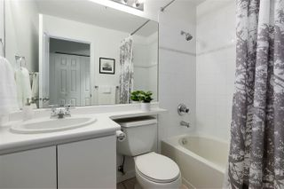 """Photo 13: 407 1177 HORNBY Street in Vancouver: Downtown VW Condo for sale in """"London Place"""" (Vancouver West)  : MLS®# R2437387"""