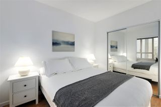 """Photo 10: 407 1177 HORNBY Street in Vancouver: Downtown VW Condo for sale in """"London Place"""" (Vancouver West)  : MLS®# R2437387"""