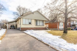 Main Photo: 911 King Street in Whitby: Downtown Whitby House (Bungalow) for sale : MLS®# E4698129