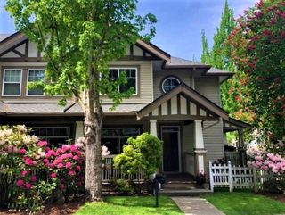 """Photo 2: 83 2678 KING GEORGE Boulevard in Surrey: King George Corridor Townhouse for sale in """"MIRADA"""" (South Surrey White Rock)  : MLS®# R2446690"""