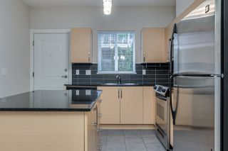 Photo 7: 204 1661 FRASER AVENUE in Port Coquitlam: Glenwood PQ Townhouse for sale : MLS®# R2456312