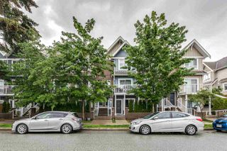 Photo 2: 204 1661 FRASER AVENUE in Port Coquitlam: Glenwood PQ Townhouse for sale : MLS®# R2456312