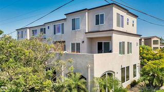 Photo 1: PACIFIC BEACH Condo for sale : 2 bedrooms : 1605 Emerald St in San Diego