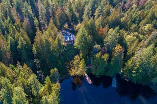 "Photo 18: 13702 CAMP BURLEY Road in Garden Bay: Pender Harbour Egmont House for sale in ""Mixal Lake"" (Sunshine Coast)  : MLS®# R2485235"