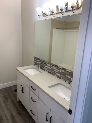 Photo 5: 9131 83 Avenue in Edmonton: Zone 18 House for sale : MLS®# E4218321