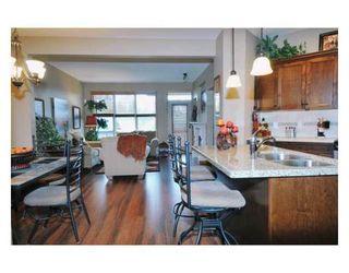 Photo 2: # 81 24185 106B AV in Maple Ridge: Condo for sale : MLS®# V843985