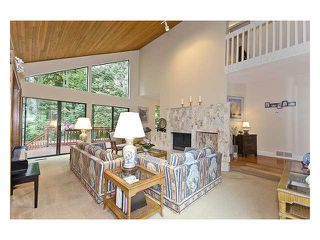 Photo 3: 5527 HUCKLEBERRY LN in North Vancouver: Grouse Woods House for sale : MLS®# V910533