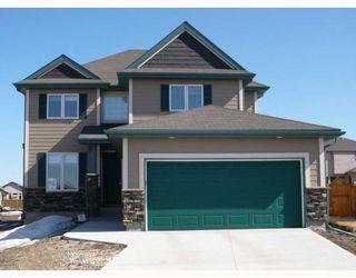 Photo 1: 19 STONECOURT Place in WINNIPEG: Windsor Park / Southdale / Island Lakes Residential for sale (South East Winnipeg)  : MLS®# 2805436