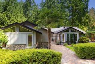 Photo 1: 1300 Clayton Road in NORTH SAANICH: NS Lands End Single Family Detached for sale (North Saanich)  : MLS®# 413892