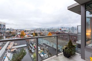 "Photo 13: 815 250 E 6TH Avenue in Vancouver: Mount Pleasant VE Condo for sale in ""DISTRICT"" (Vancouver East)  : MLS®# R2404208"