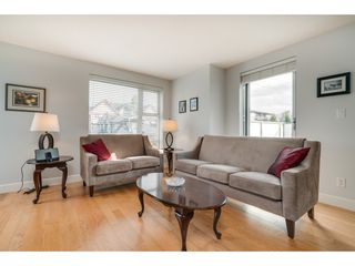 """Photo 9: 509 3811 HASTINGS Street in Burnaby: Vancouver Heights Condo for sale in """"Mondeo"""" (Burnaby North)  : MLS®# R2406468"""