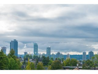 """Photo 18: 509 3811 HASTINGS Street in Burnaby: Vancouver Heights Condo for sale in """"Mondeo"""" (Burnaby North)  : MLS®# R2406468"""