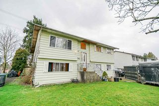 Photo 1: 6177 SUNDANCE Drive in Surrey: Clayton House for sale (Cloverdale)  : MLS®# R2436343