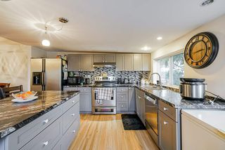 Photo 3: 6177 SUNDANCE Drive in Surrey: Clayton House for sale (Cloverdale)  : MLS®# R2436343