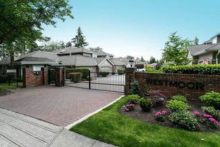 """Photo 2: 29 2688 150 Street in Surrey: Sunnyside Park Surrey Townhouse for sale in """"Westmoor"""" (South Surrey White Rock)  : MLS®# R2446141"""