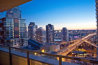 """Main Photo: 1705 789 DRAKE Street in Vancouver: Downtown VW Condo for sale in """"CENTURY TOWER"""" (Vancouver West)  : MLS®# R2450953"""