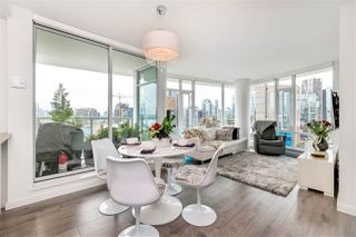 "Photo 1: 2208 161 W GEORGIA Street in Vancouver: Downtown VW Condo for sale in ""COSMO"" (Vancouver West)  : MLS®# R2461704"