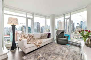 "Photo 2: 2208 161 W GEORGIA Street in Vancouver: Downtown VW Condo for sale in ""COSMO"" (Vancouver West)  : MLS®# R2461704"