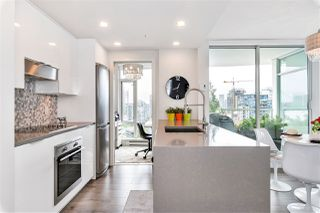 "Photo 8: 2208 161 W GEORGIA Street in Vancouver: Downtown VW Condo for sale in ""COSMO"" (Vancouver West)  : MLS®# R2461704"