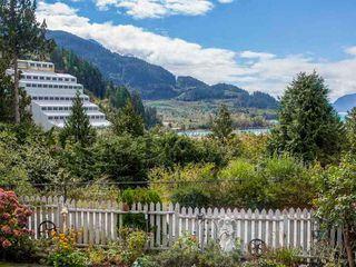 """Main Photo: 624 LOWER Crescent in Squamish: Britannia Beach House for sale in """"Britannia Beach Estates"""" : MLS®# R2471815"""