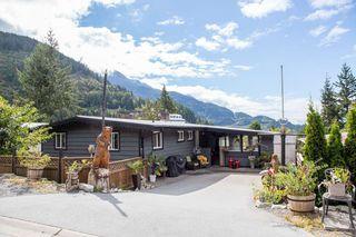 """Photo 1: 624 LOWER Crescent in Squamish: Britannia Beach House for sale in """"Britannia Beach Estates"""" : MLS®# R2471815"""