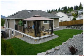 Photo 6: 820 - 17th Street S.E. in Salmon Arm: Laurel Estates Residential Detached for sale : MLS®# 10009201