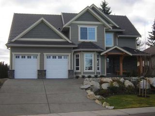 Photo 1: 2319 SUFFOLK CRES in COURTENAY: Residential Detached for sale : MLS®# 246096