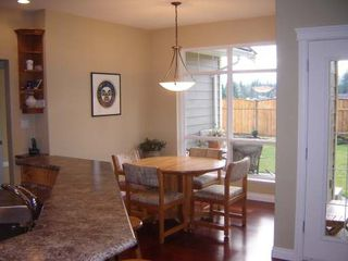 Photo 4: 2319 SUFFOLK CRES in COURTENAY: Residential Detached for sale : MLS®# 246096